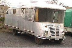 1946 Manor on a International Harvester stepvan chassis Bus Motorhome RV Camper Van Vintage Motorhome, Vintage Rv, Vintage Campers Trailers, Retro Campers, Vintage Caravans, Camper Trailers, Bus Motorhome, Motorhome Travels, Vintage Vans