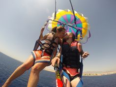 A parasailing smooch! Photo by Barrie Phelan.