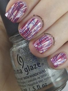 Watermarble with hearts #npclairestelle8 - Leonie's Nailart