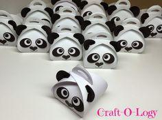 Craft-O-Logy: Panda Traktatie Panda Party, Panda Birthday Party, Bear Party, Bear Birthday, Panda Activities, Birthday Activities, Panda Baby Showers, Panda Craft, Panda Bebe