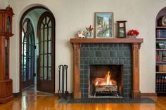 Leaves & Berries Slate Fireplace by Motawi Tileworks - Arts and Crafts fireplace by Motawi Tileworks featuring Leaves & Berries relief tile in Slate - Arts And Crafts For Adults, Arts And Crafts House, Easy Arts And Crafts, Home Crafts, Baby Crafts, Arts And Crafts Interiors, Arts And Crafts Furniture, Slate Fireplace, Fireplace Design