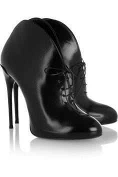 GUCCI Curved leather lace-up ankle boots