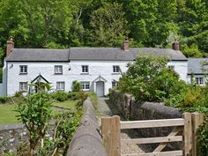 This traditional Grade II listed holiday property is the perfect location for a family seaside break.