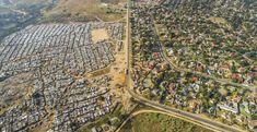 Drone Photos Capture the Stark Divide Between Rich and Poor in South Africa Drones, Apartheid, Tanzania, Kenya, Social Photo, Fotografia Drone, Flight Lessons, Villa, Capture Photo