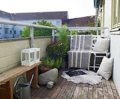 White/ green balcony theme
