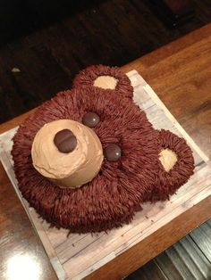 3 Little Things...: Easy Bear Cake. Just in case there's a future baylor bear in the fam... #animal #bear #Brown