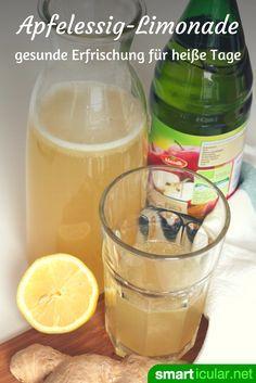 Apfelessig-Limo: Kühler Sommerdrink und gesunder Fastenbegleiter Thanks to its healthy ingredients, apple cider vinegar helps to lose weight and relieves. Healthy Eating Tips, Healthy Foods To Eat, Healthy Drinks, Healthy Recipes, Smoothie Drinks, Detox Drinks, Smoothies, Vegetable Drinks, Apple Cider Vinegar