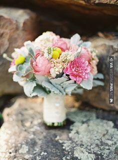 gorg pastel bouquet | VIA #WEDDINGPINS.NET