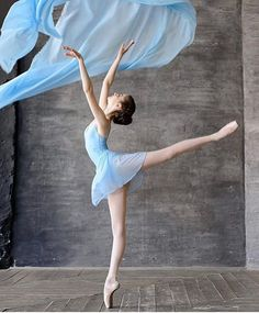 52 Trendy Ideas For Photography Dance Ballet Pictures Ballet Pictures, Dance Pictures, Ballet Art, Ballet Dancers, Ballerinas, Bolshoi Ballet, Baby Ballet, Dance Aesthetic, Nature Aesthetic