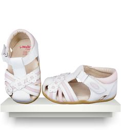 Spanish baby clothes | baby Shoes | White & pink fashion sandals |babymaC  - 1