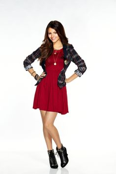 """( ☞ 2017 ) HOT CELEBRITY WOMAN ★ VICTORIA JUSTICE IN A MINISKIRT AND HIGH HEELS """" Pop ♫ """" ) ★ ♪♫♪♪ Victoria Dawn Justice - Friday, February 19, 1993 - 5' 5½"""" - Hollywood, Florida, USA."""