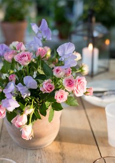 Sommarbacka Flower Vases, Flower Arrangements, Flowers, Centerpieces, Table Decorations, Tablescapes, My Photos, Happy Birthday, Candles