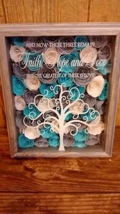 Love these rolled flowers!