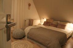 Slaapkamer | Bedroom ✭ Ontwerp | Design Yvet van Riek Interior, Home, Home Bedroom, Bedroom Interior, Interior Garden, Cute Bedroom Ideas, Home Diy, Bedroom, Home And Living