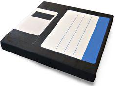 Stuhlkissen Diskette blau von erdbeeruniversum auf DaWanda.com