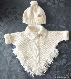 "poncho met mouwtjes en ingebreide kabel muts met bloem en lintje [ ""Wonder if I can write up a pattern for this poncho?"", ""poncho with sleeves! Knitting Baby Girl, Knitting For Kids, Baby Knitting Patterns, Baby Patterns, Free Knitting, Poncho Patterns, Knitting Ideas, Crochet Poncho, Crochet Baby"