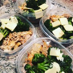 Diet Meals The easiest way to take the hassle out of meal prepping is by cooking the same thing every week. The downside to that stealthy approach, however, is that you - So much meal prep inspiration, so little time. Ketogenic Recipes, Low Carb Recipes, Diet Recipes, Healthy Recipes, Ketogenic Diet, Vegetarian Recipes, Keto Meal Plan, Meal Prep, Diet Snacks