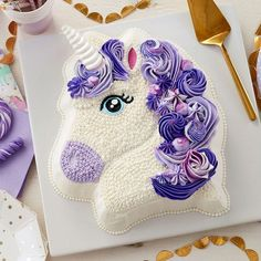 Make your birthday party all the more magical with this Pretty in Purple Unicorn Cake! This cake is sure to be a birthday favorite for… Unicorne Cake, Cupcake Cakes, Diy Cake, Sweets Cake, Cake Smash, Lego Cake, Minecraft Cake, Cool Birthday Cakes, Unicorn Birthday Parties