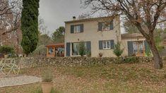Villa 177 m² hab. avec piscine Belle Villa, Cabin, House Styles, Plants, Home Decor, Real Estate, Home, Decoration Home, Room Decor