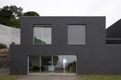 Google Image Result for http://www.trendir.com/house-design/seaside-home-design-paulo-david-2.jpg
