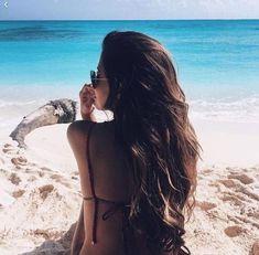 cute photo idea for the beach! cute photo idea for the beach! Beach Photography Poses, Summer Photography, Abstract Photography, Photography 2017, Levitation Photography, Experimental Photography, Photography Challenge, Headshot Photography, Exposure Photography