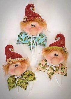 Best 12 MAGIC USA epattern by ilmondodellenuvole on Etsy Christmas Elf Doll, Felt Christmas Ornaments, Christmas Sewing, Christmas Art, Christmas Projects, All Things Christmas, Christmas Decorations, Felt Crafts, Holiday Crafts