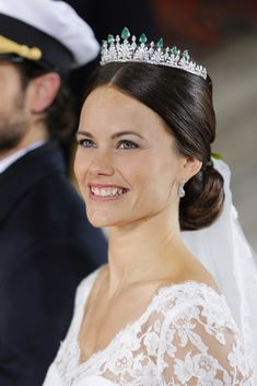A new addition to the tiara collection of the Swedish Royal family. Purchased for Sofia Hellqvist by her in-laws when she wed Prince Carl Philip on13 June 2015