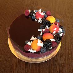 Paleo vegan kókuszos áfonya torta Acai Bowl, Paleo, Birthday Cake, Breakfast, Desserts, Food, Acai Berry Bowl, Morning Coffee, Tailgate Desserts