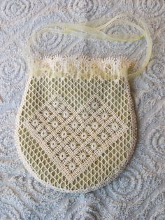 Album Archive - Lace made by me Bobbin Lace Patterns, Flower Patterns, Bobbin Lacemaking, Baby Mittens, Lace Making, Fabric Flowers, Crochet Projects, Crochet Top, Knitting