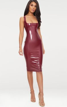 Browse our edit of PVC and vinyl clothes. From high shine skirts and dresses, to leggings and pants. Shop that latex look with PVC clothing from PLT USA. Sexy Skirt, Dress Skirt, Bodycon Dress, Mode Latex, Rubber Dress, Vinyl Clothing, Vinyl Dress, Leder Outfits, Latex Dress