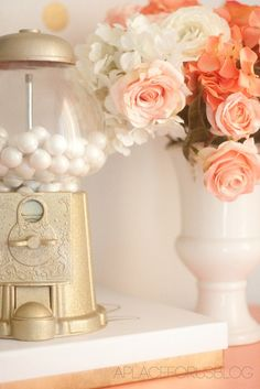 The Golden Gumball Machine via @D Alfonso SO SO cute! #paintedgumballmachine #gumballmachine #spraypaint