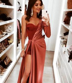 2018 Long Sleeve Gold Prom Dresses,Long Evening Dresses,Prom Dresses On Sale Want a glamorous red carpet look for a fraction of the price? Evening Dresses, Prom Dresses, Formal Dresses, Sexy Dresses, Summer Dresses, Wedding Dresses, Long Dresses, Long Elegant Dresses, Sparkly Dresses