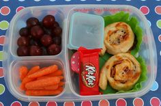 Super NON-SANDWICH school lunch idea! Yummy pizza rolls packed for lunch with @EasyLunchboxes