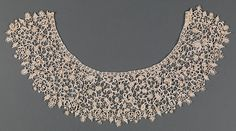 Small-scale Venetian needle laces of the late seventeenth century, called point de neige, were well suited to fashions of the period, which required that lace be gatherable at the neck and sleeves. The name point de neige refers to the resemblance of the delicate buttonholed loops and projecting picots to snowflakes (neige being the French word for snow)