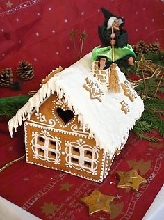 Christmas Gingerbread House, Christmas Cookies, Pasta Flexible, Christmas Baking, Food Inspiration, Cake Decorating, Deserts, Food And Drink, Cooking