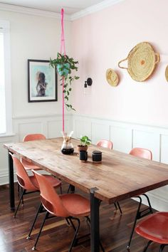 Home decor inspiration. Wood dining table with red chairs fσℓℓσω {иєℓѕσѕι∂} σи ριитєяєѕт Dining Room Design, Dining Room Table, Kitchen Dining, Dining Chairs, Dining Sets, Dining Area, Dining Room Inspiration, Home Decor Inspiration, Pink Dining Rooms