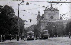 Karlovo namesti a kostel sv. Ignace