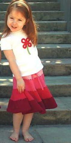 Ravelry: Barefoot Knits Twirly Skirt pattern by Christine Schwender & Paula Heist Knitting For Kids, Easy Knitting, Knitting For Beginners, Free Baby Blanket Patterns, Baby Knitting Patterns, Skirt Pattern Free, Free Pattern, Knitted Baby Blankets, Little Girl Dresses