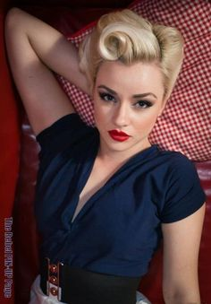Pinup hair style.. love it! Blast from the past! Reliving the past! History repeating