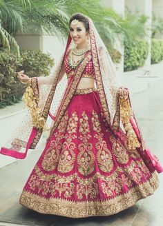 The latest collection of Bridal Lehenga designs online on Happyshappy! Find over 2000 Indian bridal lehengas and save your favourite once. Indian Wedding Gowns, Lehenga Wedding, Indian Bridal Outfits, Indian Bridal Wear, Indian Dresses, Bridal Dresses, Dress Wedding, Indian Weddings, Romantic Weddings