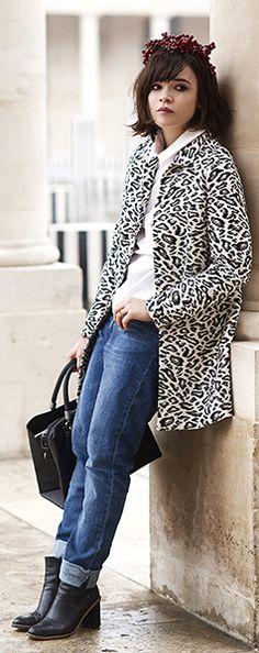 Lisa Gachet glams up a rainy day in Paris in Liu Jo Animalier coat & Liu Jo Bag #MyLiuJoBagInParis
