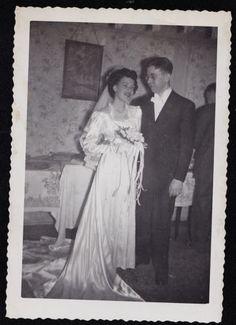 Old-Vintage-Antique-Photograph-Wedding-Gorgeous-Bride-amp-Groom-in-Retro-Room