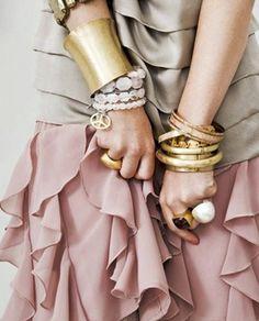 女性に人気のファッション情報を知りタイム!