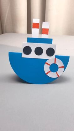 Fun piece & gift for kids. This is a simple DIY tutorial of paper plate boat. Stuck at home? Let's get started! # home activities for kids crafts DIY Crafts for Kids-How to Make Paper Plate Ship-DIY Tutorial Paper Crafts Origami, Diy Crafts For Gifts, Paper Crafts For Kids, Craft Activities For Kids, Creative Crafts, Preschool Crafts, Diy For Kids, Fun Crafts, Boat Crafts
