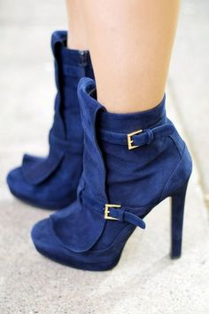 21 Looks with Gorgeous Ankle Boots Glamsugar.com Alexander McQueen  blue booties