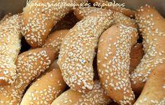 Κουλουράκια... γάλακτος - cretangastronomy.gr Greek Cookies, Greek Recipes, Bagel, Tea Time, Hamburger, Biscuits, Sweets, Bread, Cooking