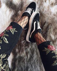 Sneakers women - Vans Old Skool (©jessie_khoo)