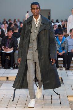 Alexander McQueen Spring 2018 Menswear Fashion Show