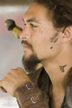 Jason Momoa!! Love his neck tattoo