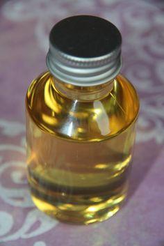 HUILE ANTI-CELLULITE RECETTE 50 g huile macadamia (décongestionnant lymphatique, drainante, pénétrante, cicatrisante) 30 g mâcérat macadamia sur lierre grimpant (anti-cellulite, drainant, cicatrisante) 20 g huile de noyau d'abricot (pénétrante, illuminatrice,...
